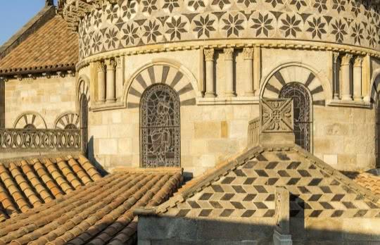 Basilique-Notre-Dame-du-Port∏Luc-Olivier-1170x640