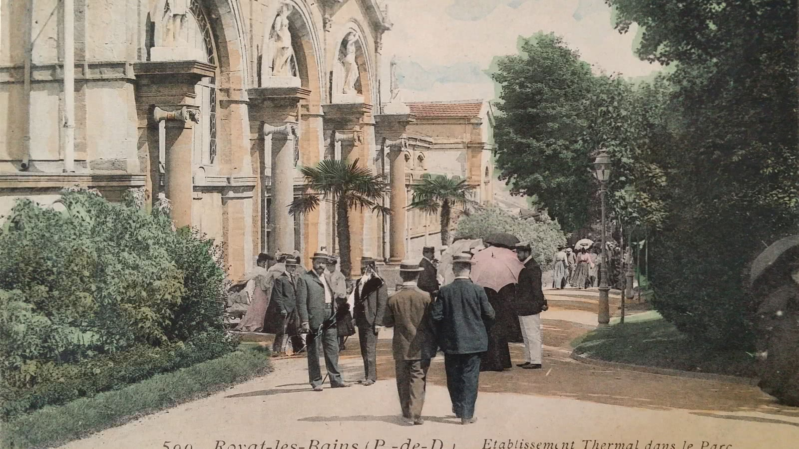 Façade des  Thermes de Royat, carte postale ancienne