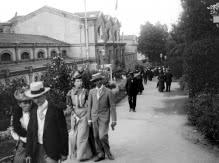 Façade des  Thermes de Royat, photo ancienne