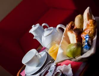 Petit-déjeuner - Hôtel Ibis Style - Brézet